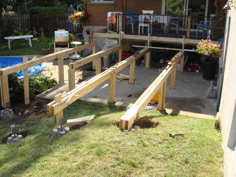 Terrasse piscine sur pilotis nos conseils for Fabriquer une terrasse en bois sur pilotis