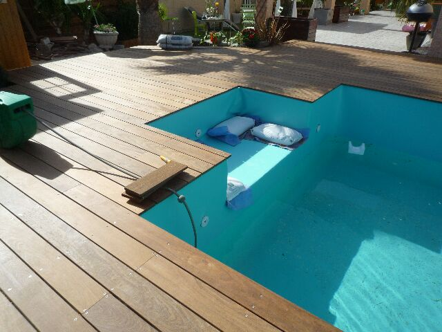 Terrasse sur pilotis autour piscine hors sol nos conseils - Terrasse piscine hors sol ...