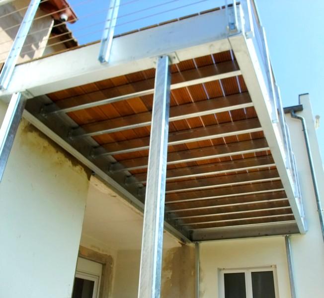 terrasse sur pilotis structure metallique nos conseils. Black Bedroom Furniture Sets. Home Design Ideas