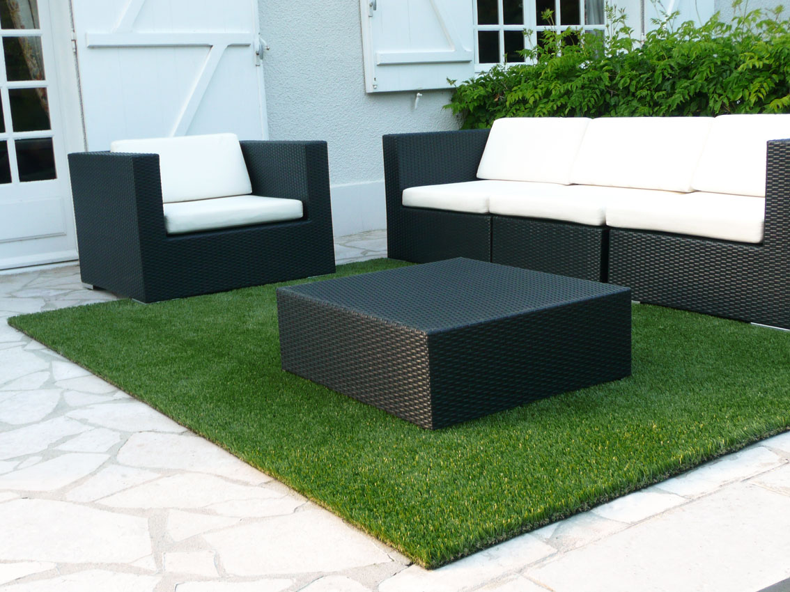 terrasse tapis gazon nos conseils. Black Bedroom Furniture Sets. Home Design Ideas