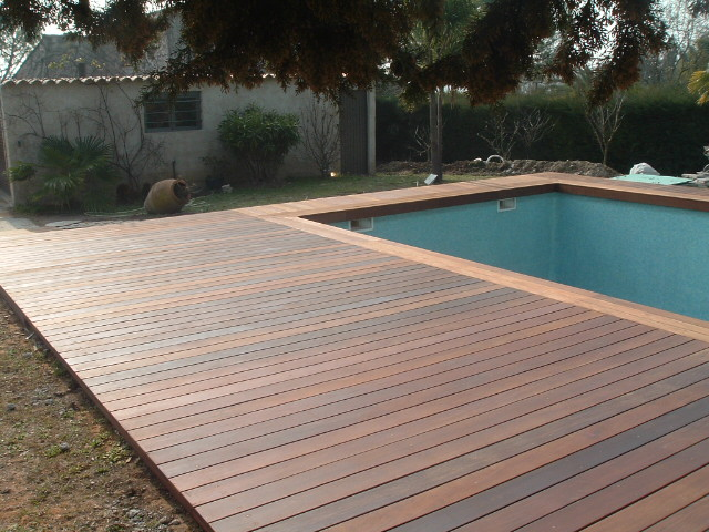 Terrasse teck piscine nos conseils for Piscine teck