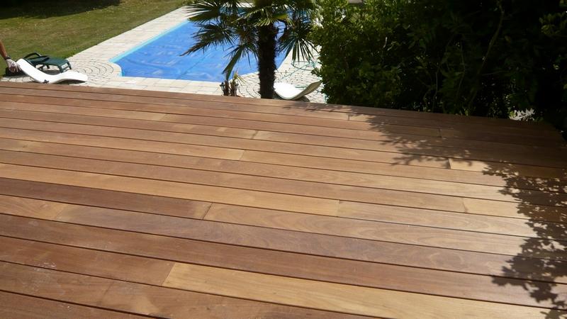 Terrasse teck pvc nos conseils - Carrelage exterieur imitation teck ...